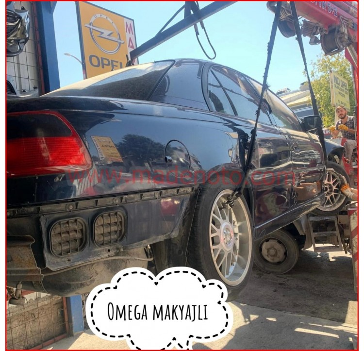 Opel Omega Çıkma Kapı Çamurluk