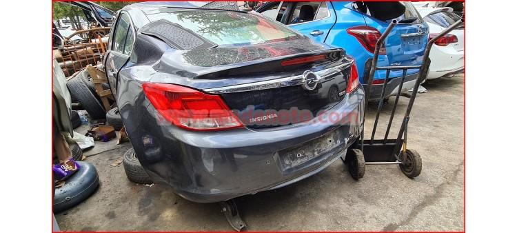 Opel Insignia Çıkma Bagaj Kapağı