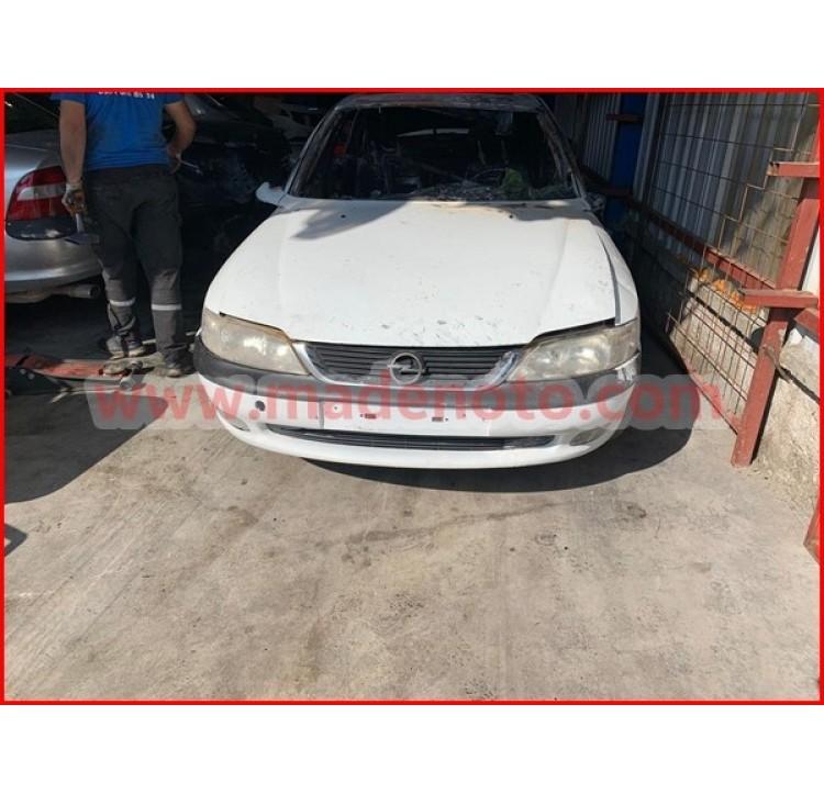 Opel Vectra B Çıkma Kaput